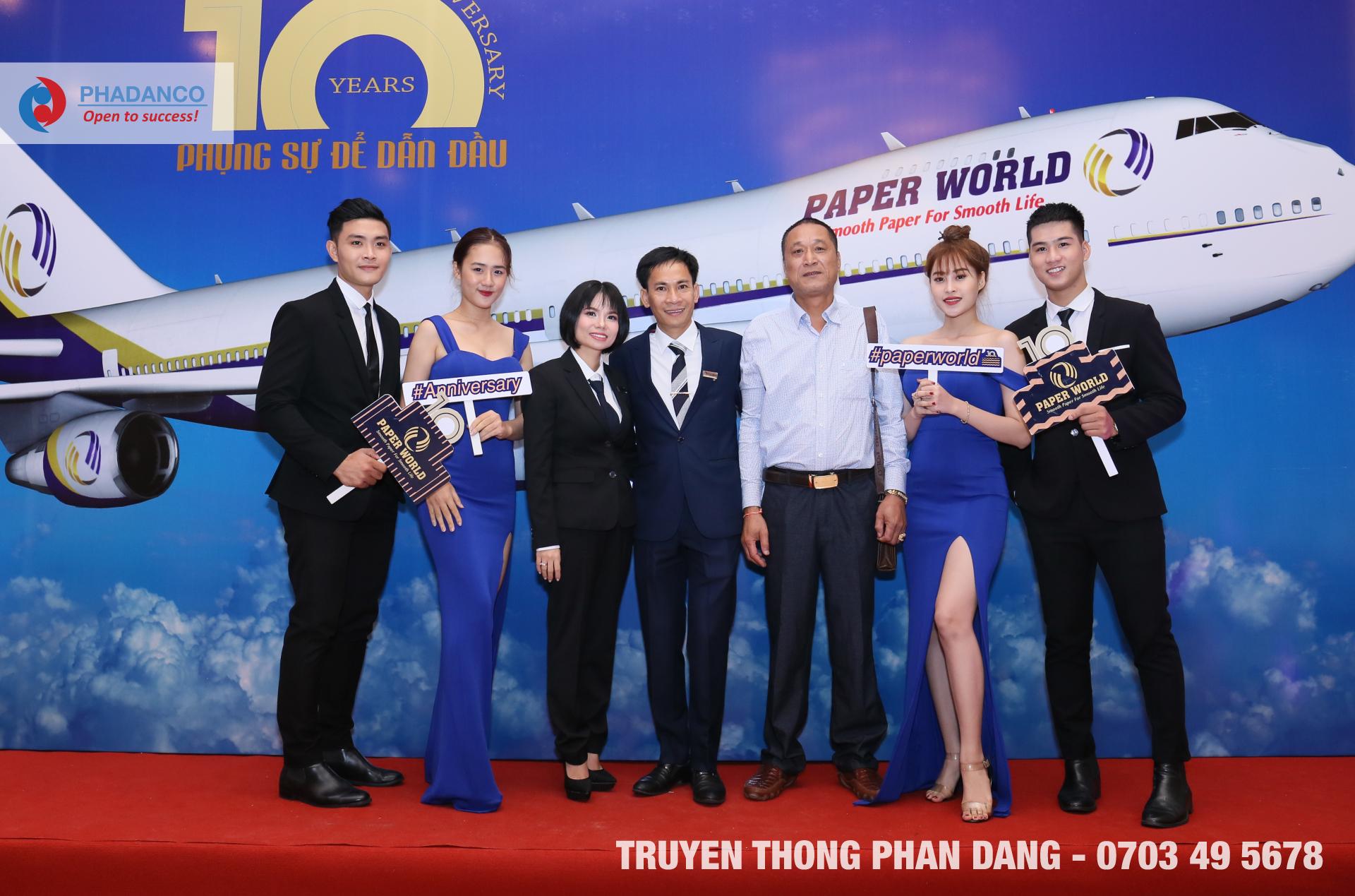 Lễ kỷ niệm thành lập công ty Paper World
