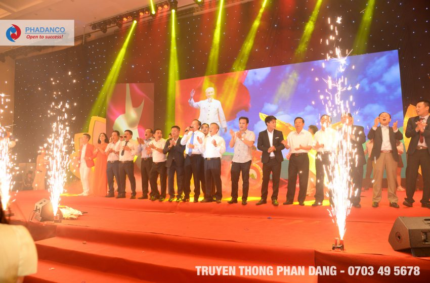 Lễ Kỉ Niệm 15 năm thành lập Hội Doanh Nghiệp Nghệ Tĩnh do Truyền thông Phan Đăng tổ chức