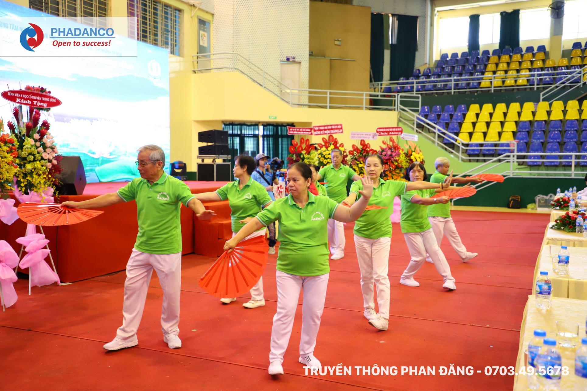 Bài tập dưỡng sinh gửi tặng lễ kỷ niệm 6 năm thành lập Thuốc Dân Tộc chi nhánh TP.HCM