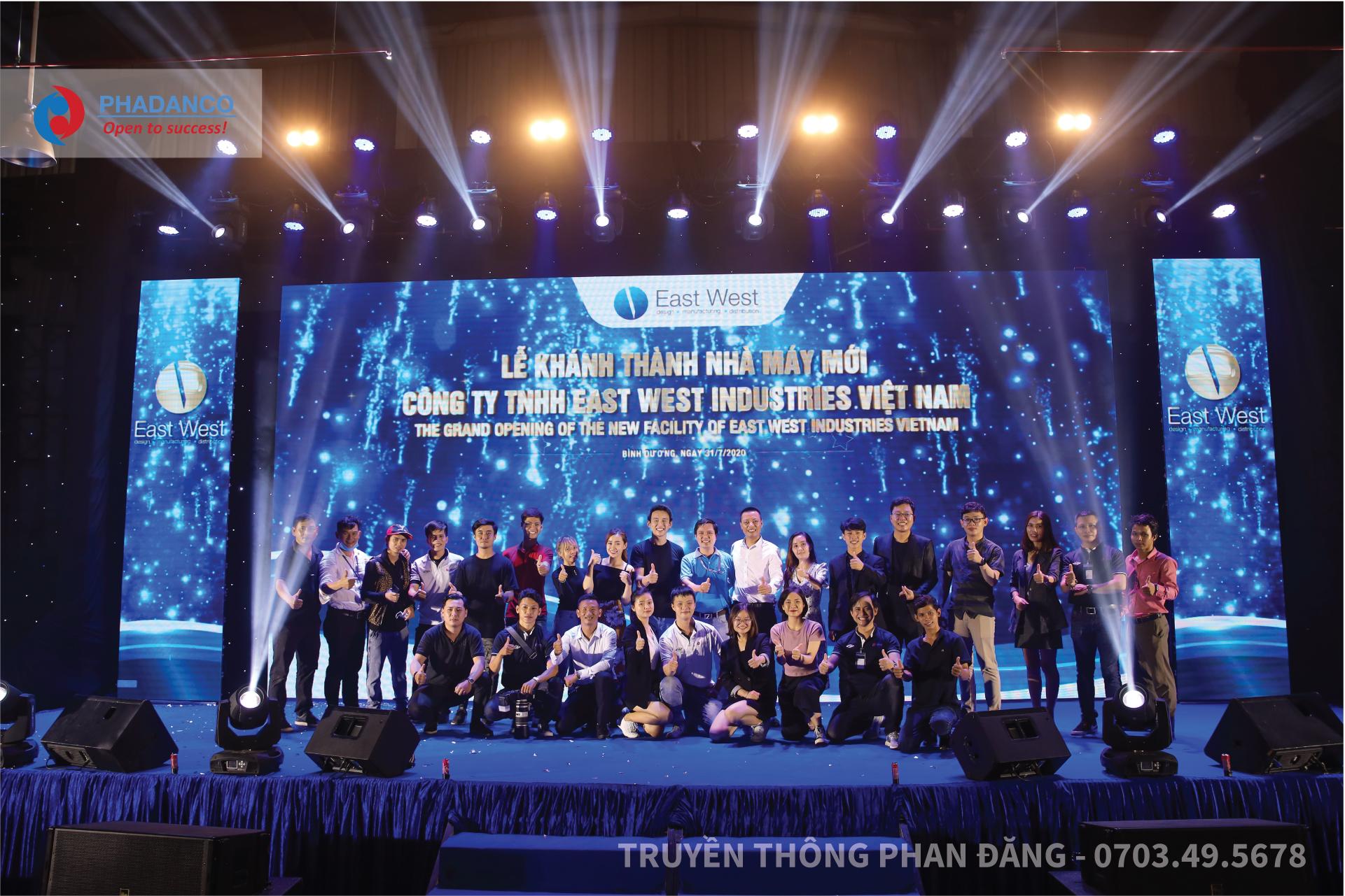 Đội ngũ cán bộ, nhân viên Công ty Truyền Thông Phan Đăng tham gia hỗ trợ sự kiện