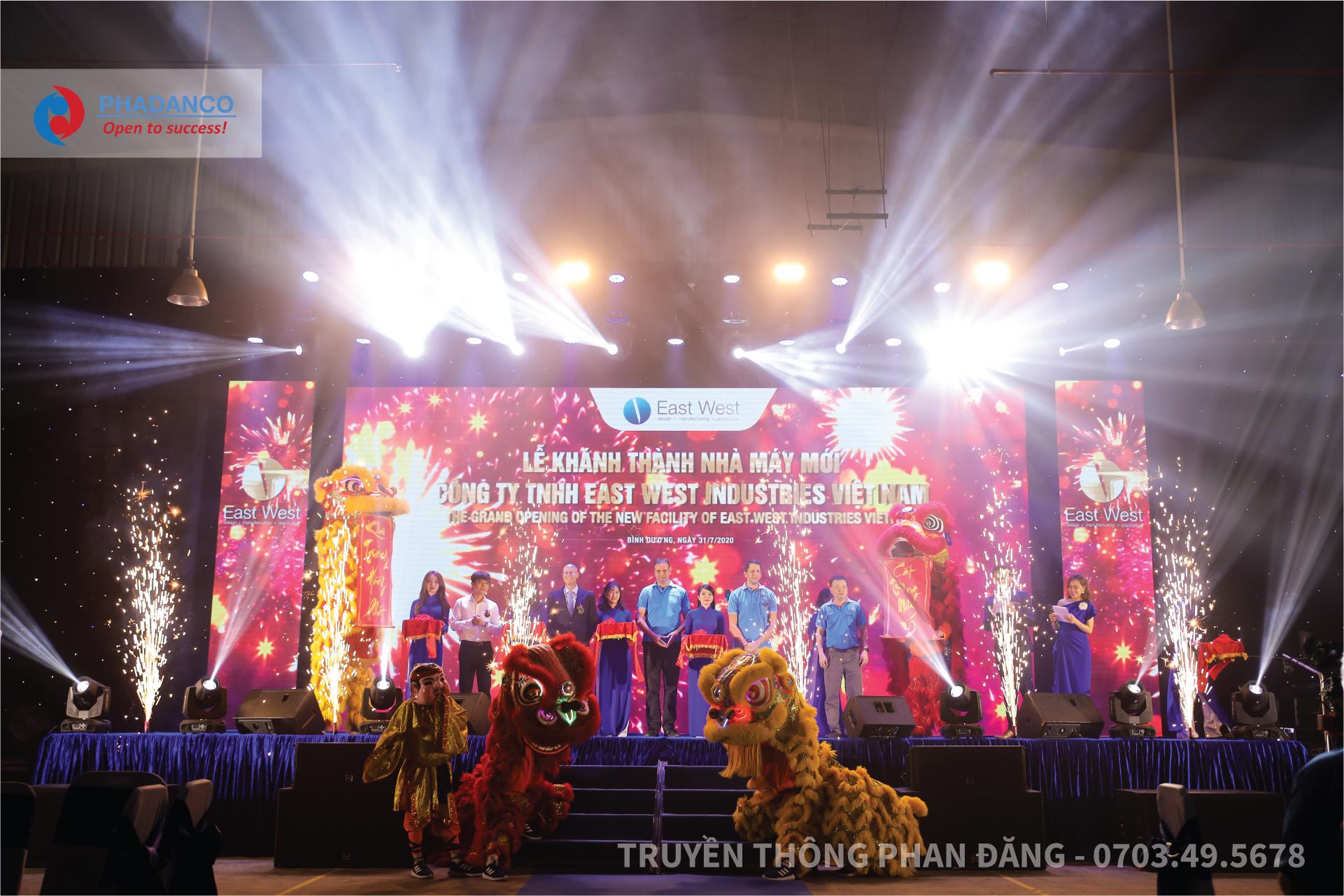 Sáng ngày 31-7-2020,Công Ty TNHH East West Industries Việt Nam đã tổ chức lễ khánh thành nhà máy mới toạ lạc tạiKCN Vietnam Singapore II Bình Dương, Việt Nam. Đơn vị được bầu chọn để tổ chức lễ khánh thành long trọng này là Truyền Thông Phan Đăng.