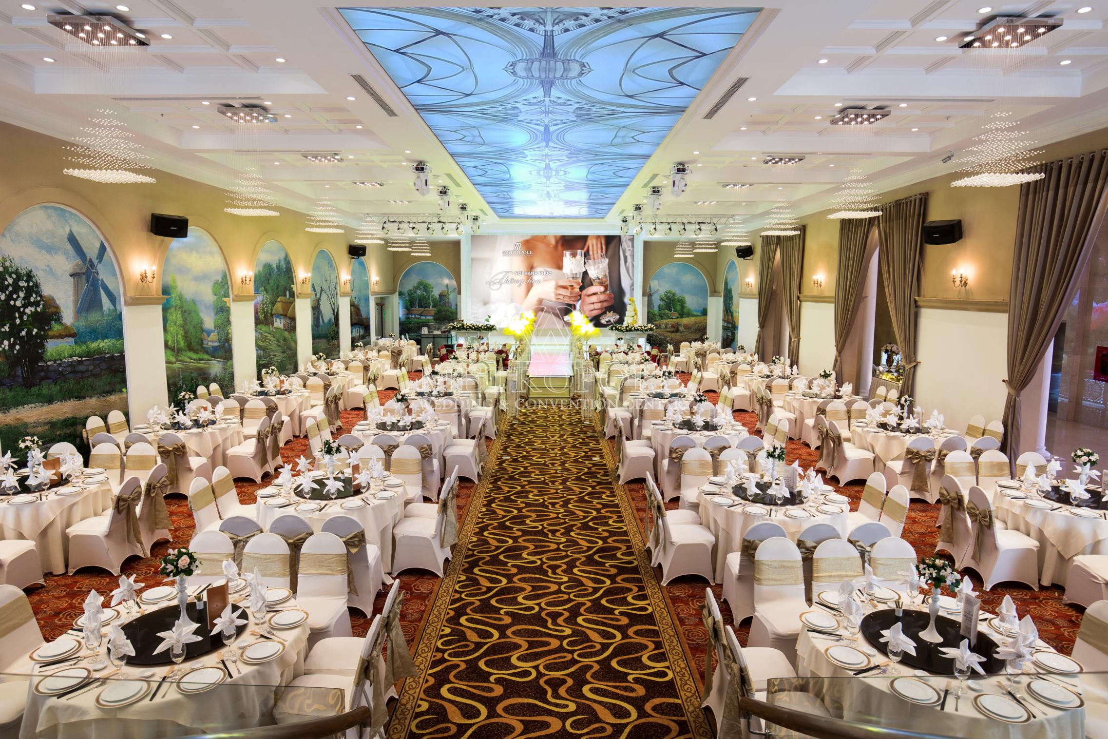 Địa điểm tổ chức tiệc tất niên công ty cuối năm tại nhà hàng Metropole